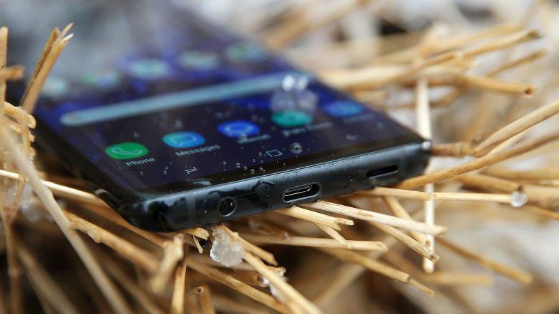 El puerto de auriculares podría tener los días contados también en los Samsung.