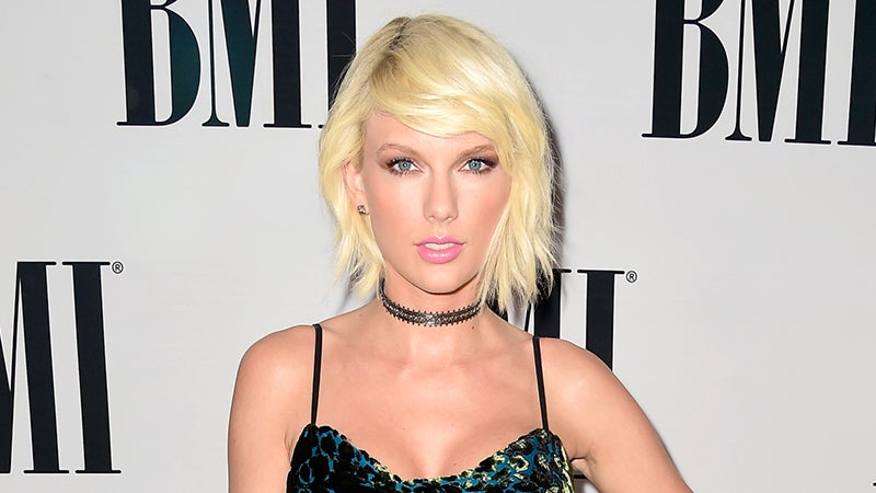 is taylor swift dating anyone from one direction Taylor swift and one direction's harry styles secretly dated back in april 2012 details here.