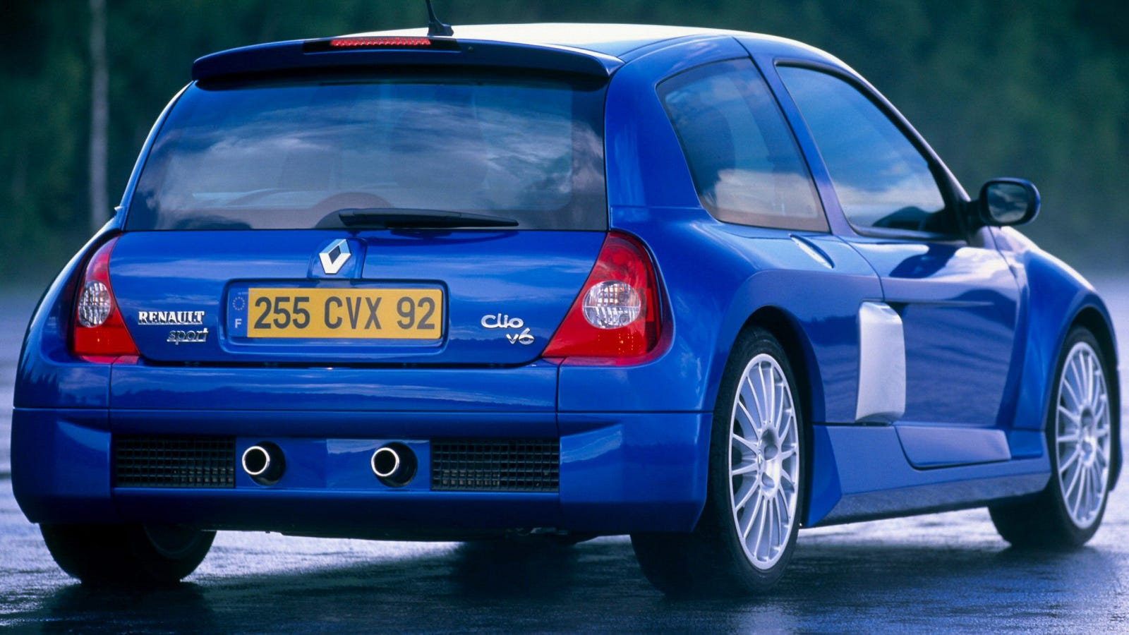 The World Deserves Another Renault Clio V6