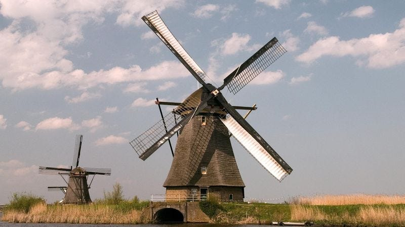 Illustration for article titled State Department Warns Americans Traveling Abroad To Avoid Lame Amsterdam Windmill Tour
