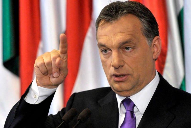 Illustration for article titled Új védművekre és új politikára van szükség, mondta Orbán, és elment