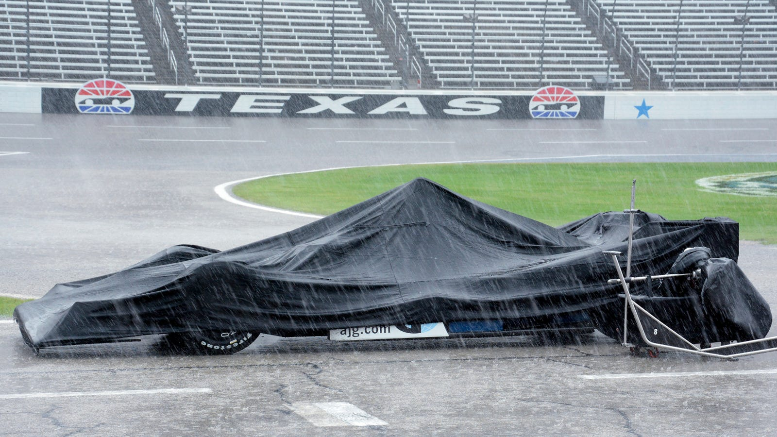 Partially Flooded Texas Indycar Race Was So Wet It Will
