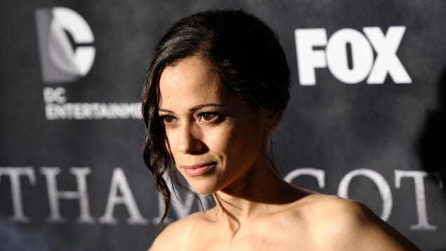 The CW s Batwoman Is Bringing DC Hero Renee Montoya Into the Fold