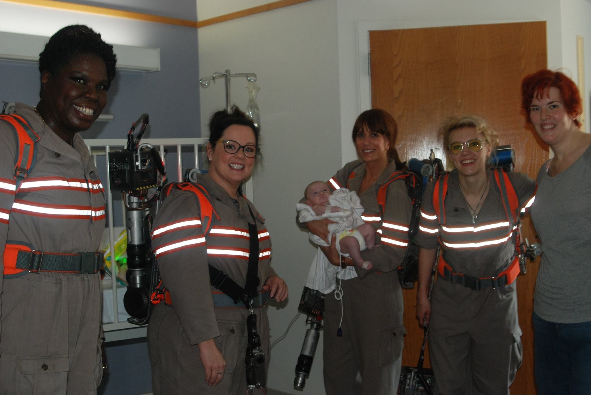 ... and Leslie Jones spent Saturday dressed in their Ghostbusters costumes visiting patients at the Floating Hospital for Children at Tufts Medical Center.  sc 1 st  Jezebel & New Ghostbusters Cast Visits Childrenu0027s Hospital; Attracts Trolls