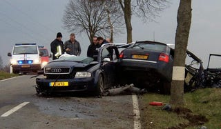 Illustration for article titled Holy Crap, He Walked Away With Barely a Scratch: Audi RS6 Crash