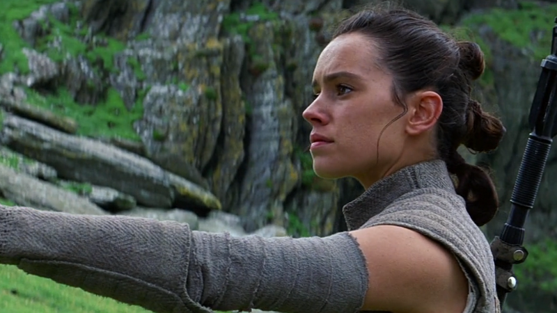 Illustration for article titled Daisy Ridley Heavily Implies Rey's Parents Will Be Revealed in Star Wars: Episode VIII