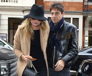 Illustration for article titled Kate Moss And Jamie Hince Enter 19th Tabloid Betrothal