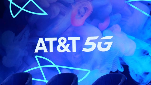 AT&T Hypes 5G Future: Faster Airport Internet, Better Cloud Gaming
