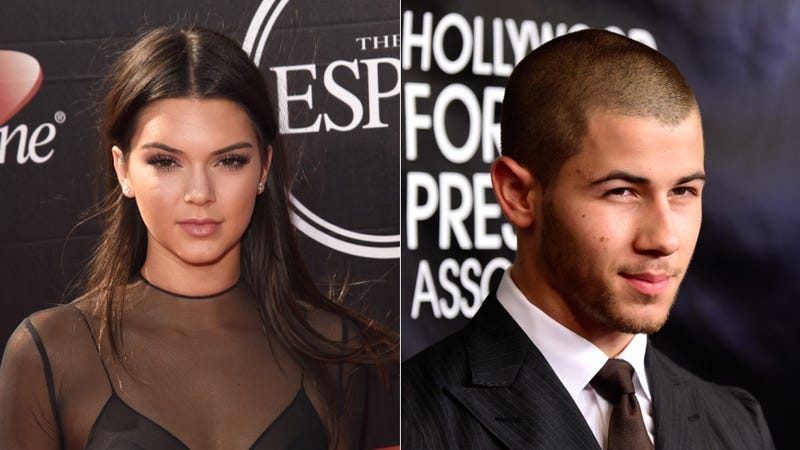 Illustration for article titled Nick Jonas and Kendall Jenner Are Taking Their Fake Relationship Slow