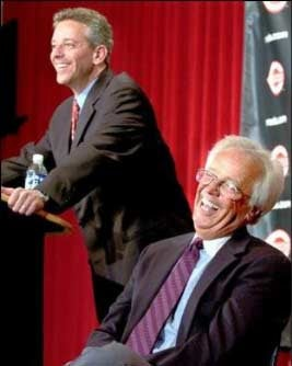 Illustration for article titled Marty Brennaman Is Unlikely To Receive A Statue Outside Wrigley Field