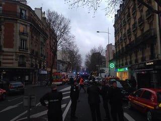 Illustration for article titled Újabb lövöldözés Párizsban: lelőttek két rendőrt – frissítve