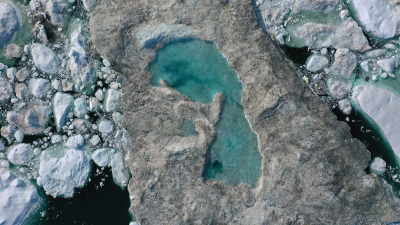 Illustration for article titled This Satellite Image Shows Everything Wrong With Greenland Right Now
