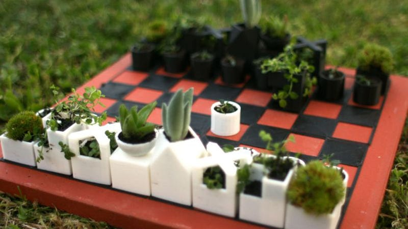 Illustration for article titled Play Chess And Plant Herbs on This Bauhaus-Inspired Game Board
