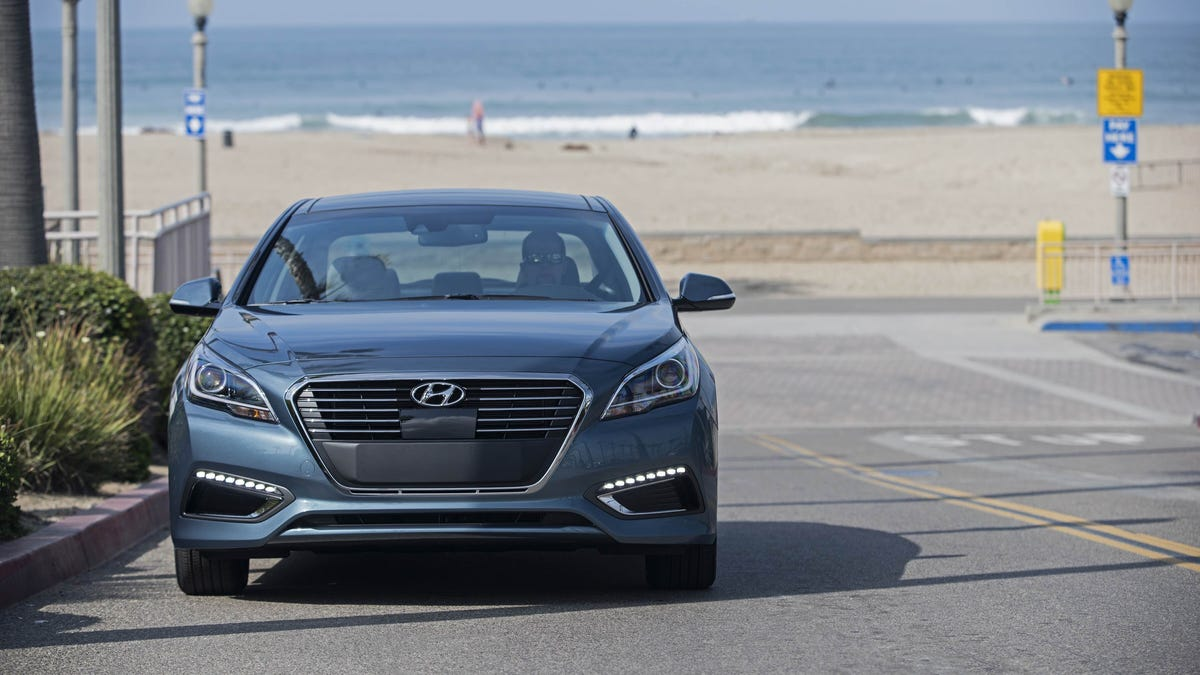 The Hyundai Sonata Hybrid Is A Great Cruiser But Barely A