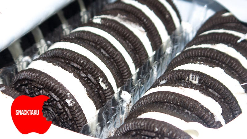 Illustration for article titled Oreo Mega Stuf Cookies: The Snacktaku Review