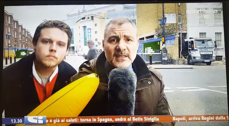 Illustration for article titled Man Improves Live Transfer Deadline Day Report With Enormous Inflatable Banana