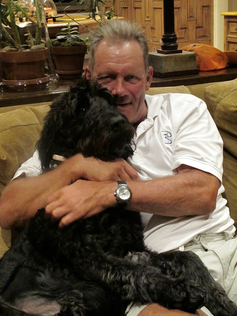 Illustration for article titled George Brett Turns To Twitter To Find Lost Dog