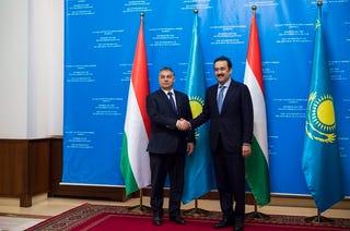 Illustration for article titled Orbán Viktor rokonai nem Európában élnek – hanem Kazahsztánban