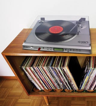 Illustration for article titled ION LP 2 Flash Turntable Rips Your Vinyl Records Straight to a Thumb Drive or SD Card
