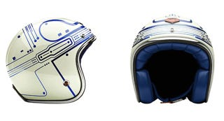 Illustration for article titled This Tron Motorcycle Helmet Turns Any Chopper Into a Lightcycle