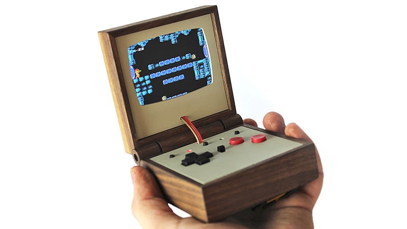 Illustration for article titled Portable Gaming Has Never Been as Beautiful as this Handheld Wooden Emulator