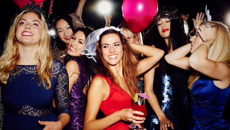 tips for throwing the perfect bachelorette party