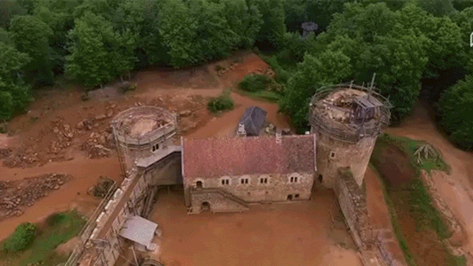 Meet the People Building a Medieval Castle Without Using Any New Technology