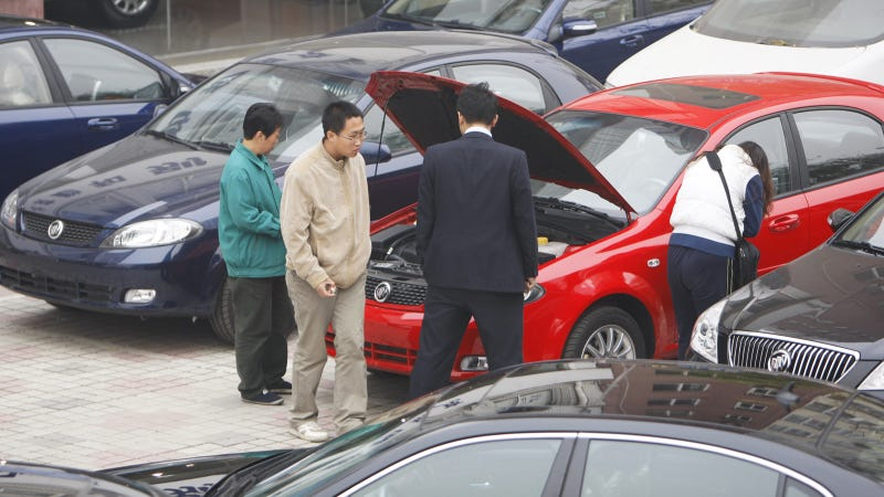 Illustration for article titled Beijing Car Buyers Pick Odd Ways To Avoid License Plate Lottery