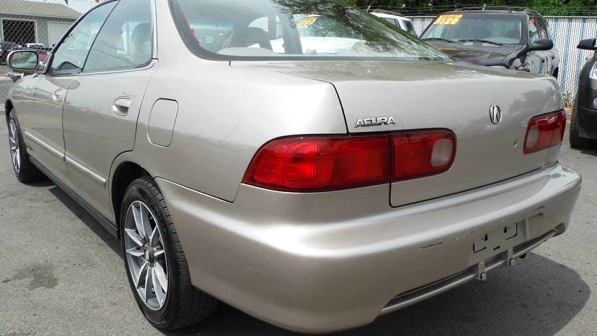 at $4,433, would you make this 2001 acura integra gs-r an integral part of  your life?