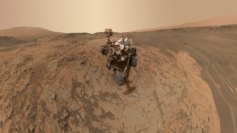Illustration for article titled Curiosity's Latest Wide-Angle Selfie Is Its Most Remarkable Photo Yet