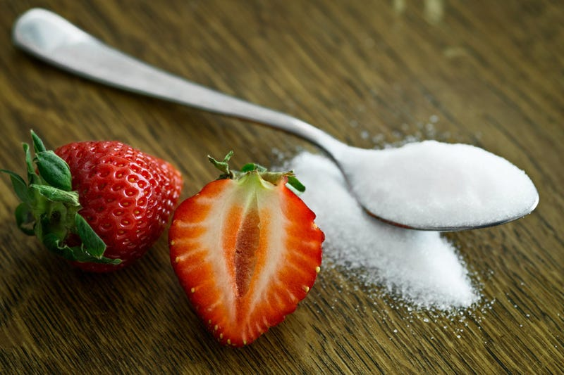 Tras nueve años de investigación, científicos descubren por fin como influye el azúcar en el desarrollo del cáncer