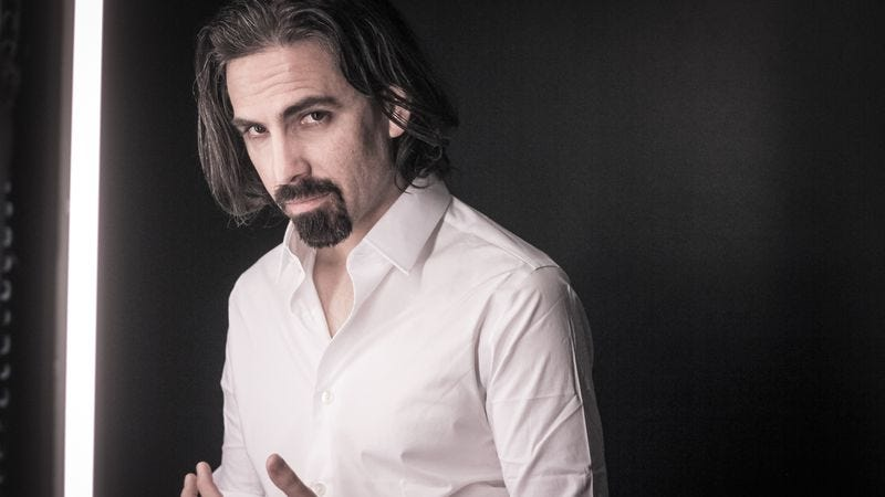 Illustration for article titled The Walking Dead and Outlander would be too quiet without Bear McCreary