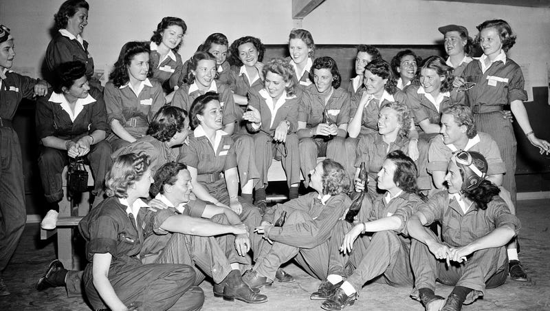Illustration for article titled Arlington Is No Longer Closed to the Women Pilots of World War II