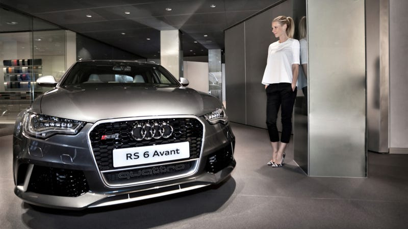 Illustration for article titled Gwyneth Paltrow Signs An Audi RS6 For Some Unknown Reason