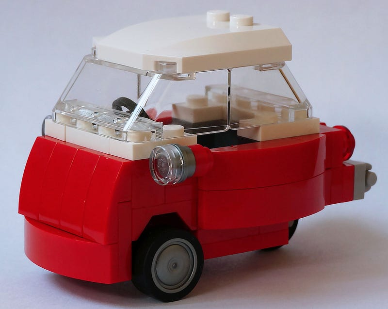 Illustration for article titled This Lego BMW Isetta is so damn cute