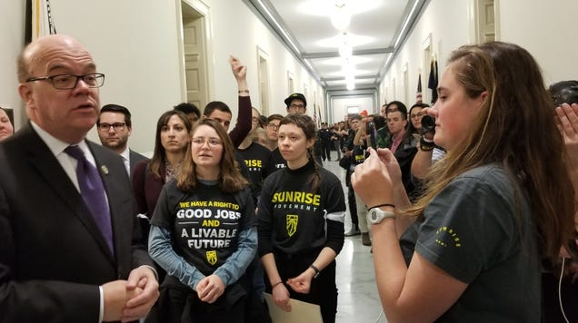 Protests Continue on Capitol Hill as Support Builds for Ocasio-Cortez s Green New Deal