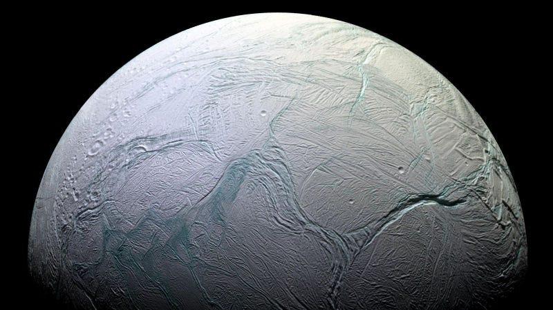Encélado, la luna de Saturno.