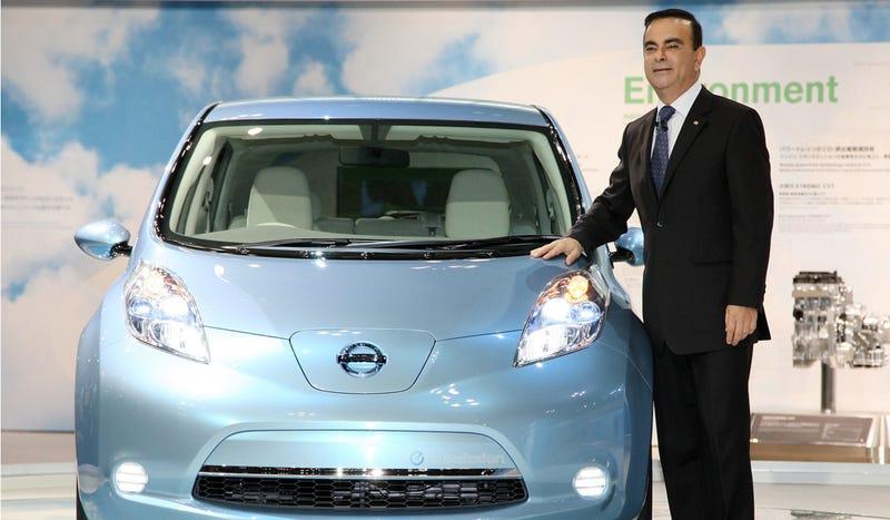 Illustration for article titled Come On Nissan, Don't Leaf Tesla Alone