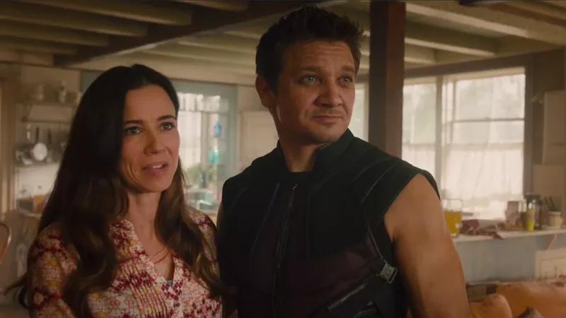 Hawkeye von Hawkeye, with his wife, Mrs. von Hawkeye.