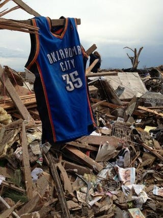 Illustration for article titled Kevin Durant Donated $1 Million To Red Cross For Tornado Relief