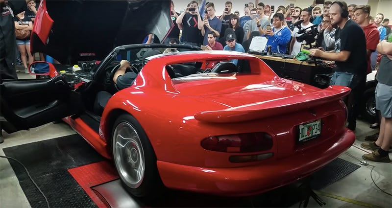 Here S How Much Horsepower A 16 000 Dodge Viper Actually Has