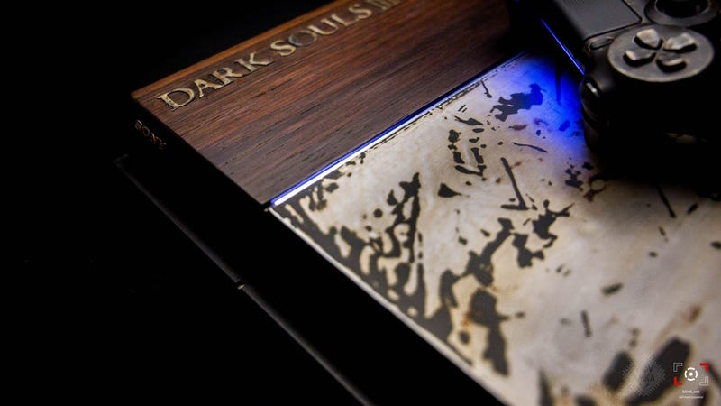 Illustration for article titled Custom Dark Souls 3 PS4 Was Crafted Using Wood and Metal