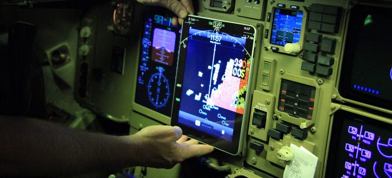 Illustration for article titled American Airlines Planes Grounded Because of Pilot iPad Crashes