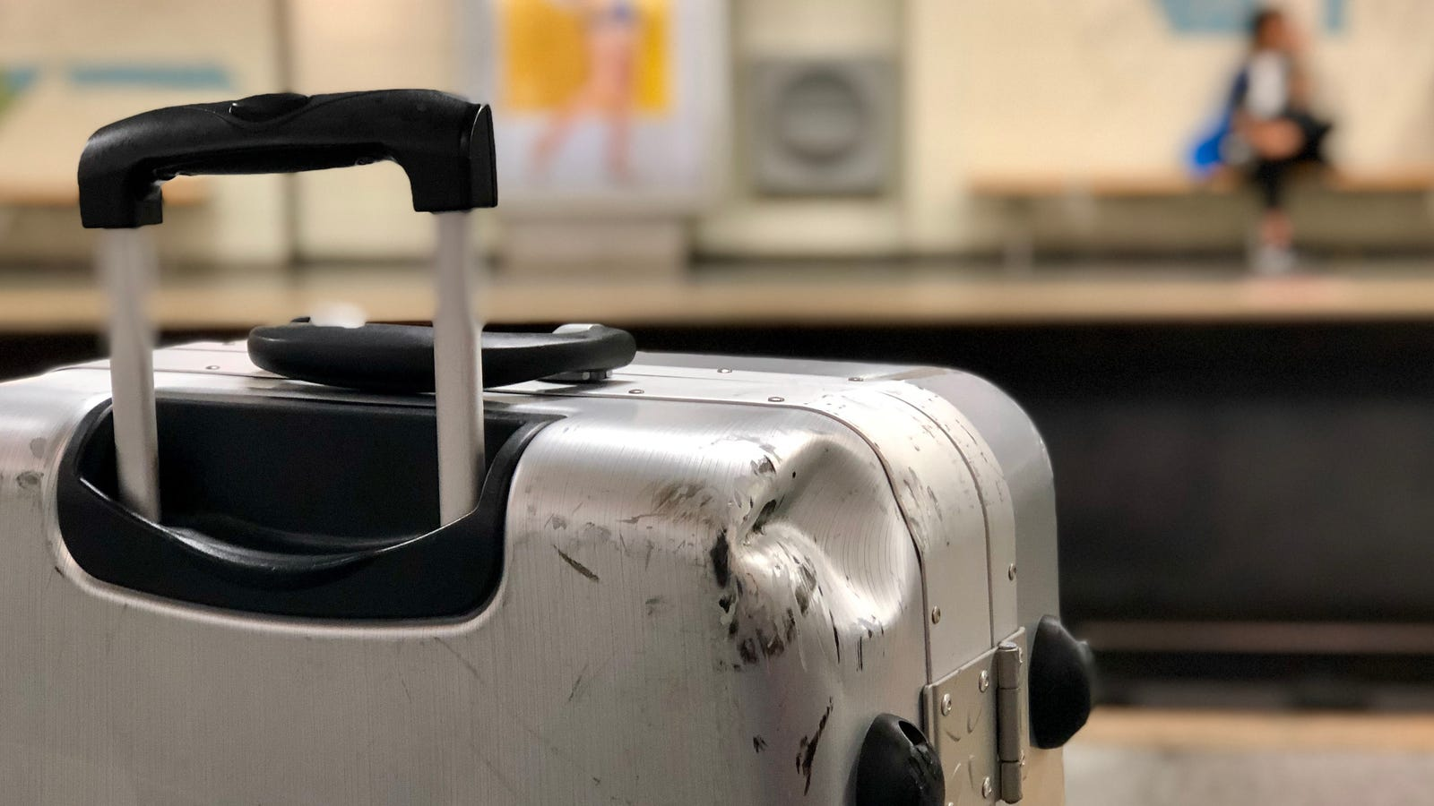 How to File a Claim if Your Luggage is Damaged After a Flight