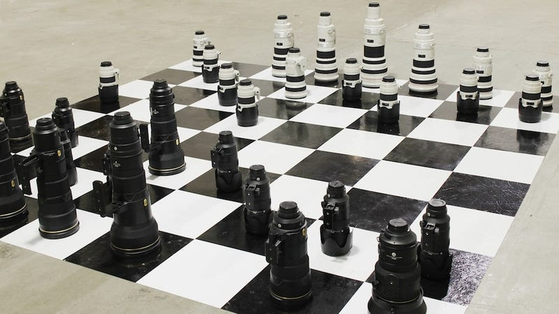 Illustration for article titled If Nikon and Canon Battled on a Chess Board, It Would Look Like This