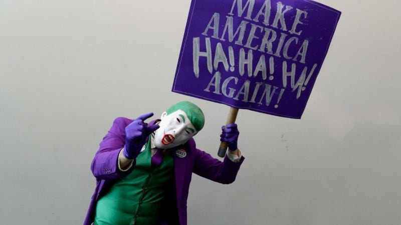 Mark Hamill Reading Trump Tweets as The Joker Will Make Your Day