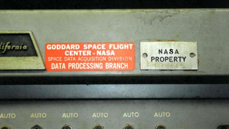 Hallan cientos de cintas en la casa de un ingeniero de la NASA y la agencia ordena destruirlas