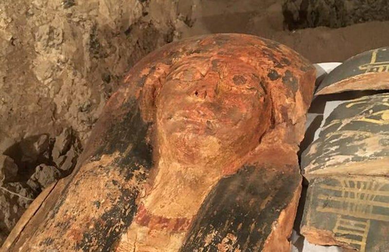 La momia recién descubierta. Foto: Ministerio de Antigüedades Egipcio