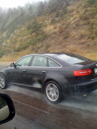 Illustration for article titled 2012 Audi RS4 Spotted With Huge Fenders, Maybe