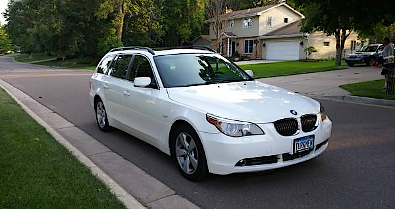 Illustration for article titled For $17,500, This 2007 BMW 530Xi Could Be Your Winter Warrior